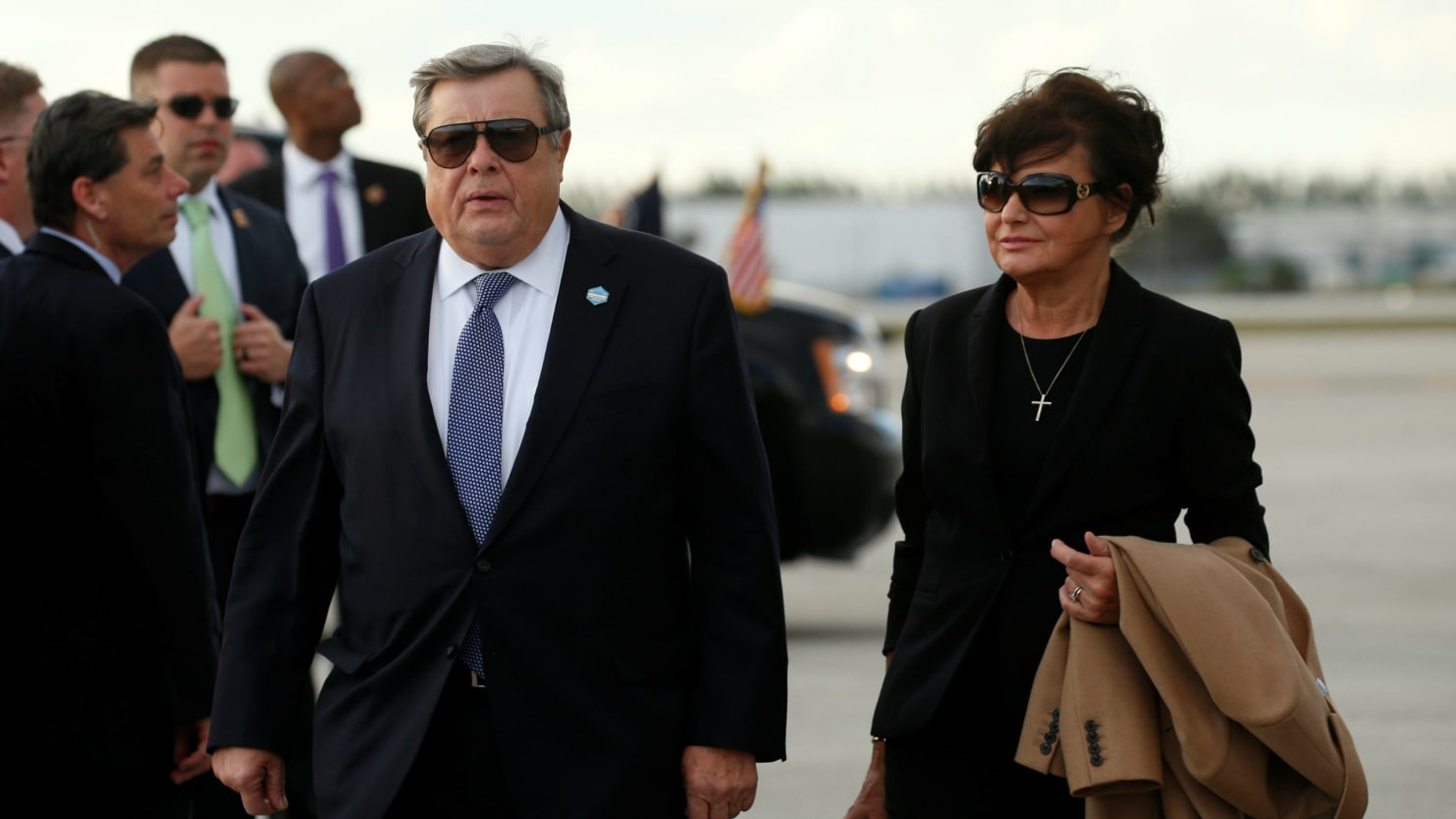 Report Melania Trumps Parents Likely Used Chain