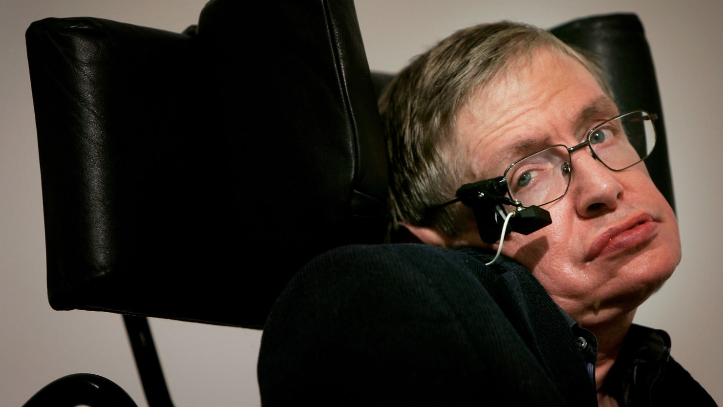wheelchair genius leather lounge chair do you actually know why stephen hawking was famous