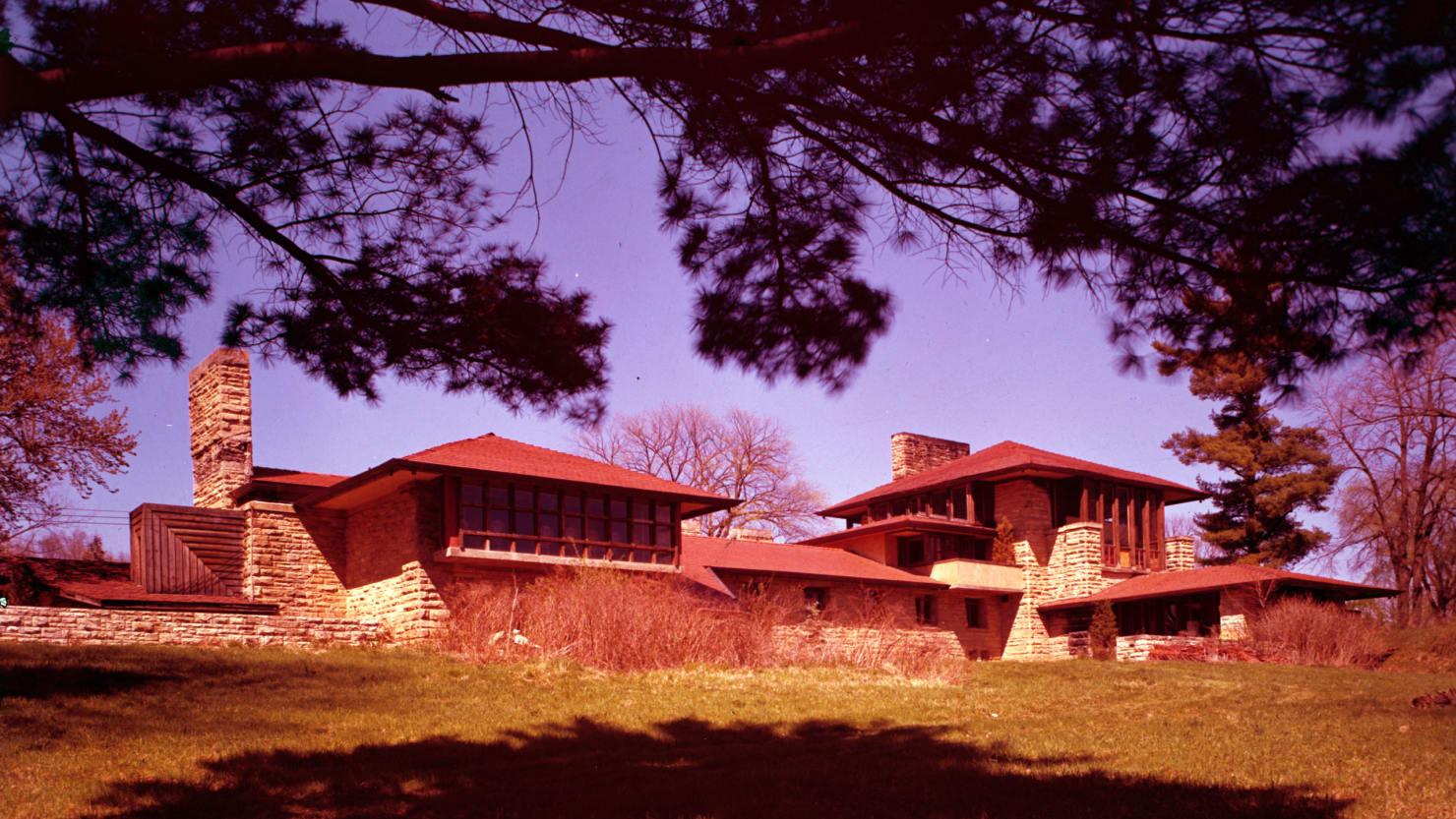 Inside The Fiery Massacre At Frank Lloyd Wright S Taliesin
