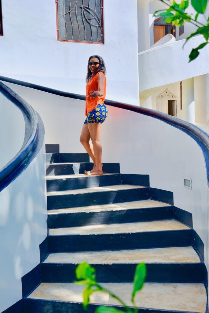kitenge-shorts-vacation-outfit