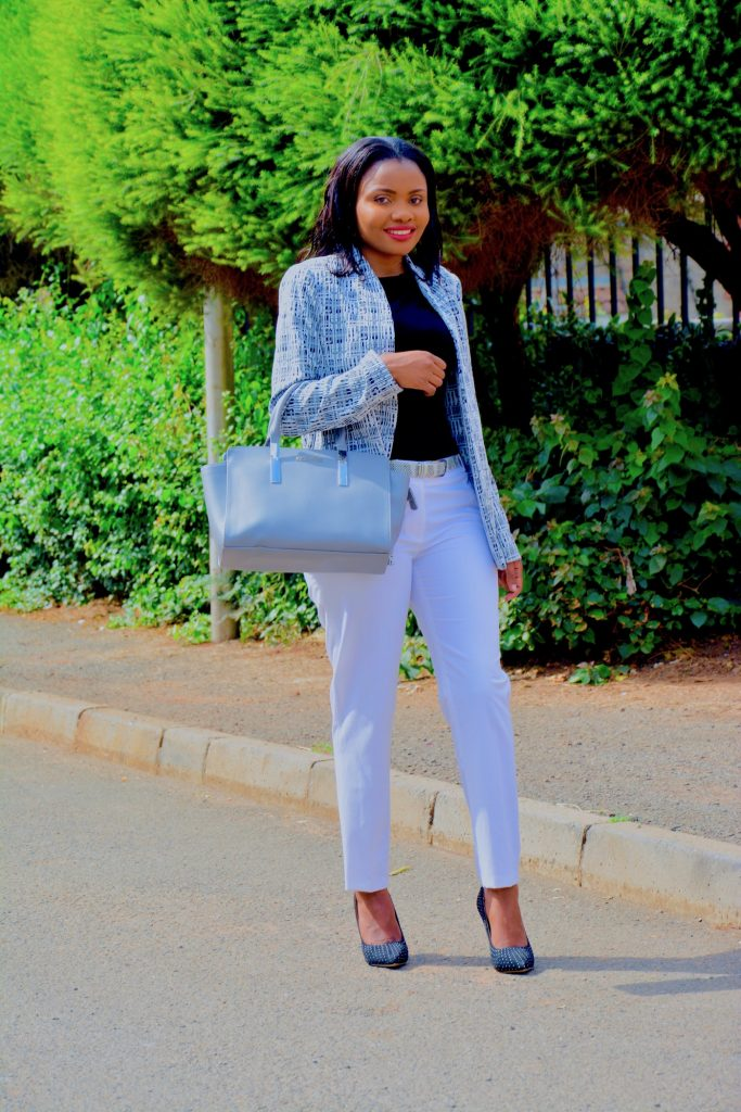 Figurestyle boutique white pants with grey print blazer