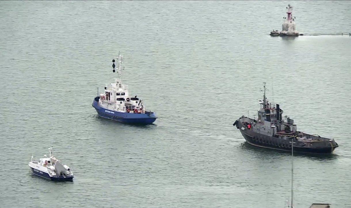 Russia returns 3 seized Ukraine boats 1