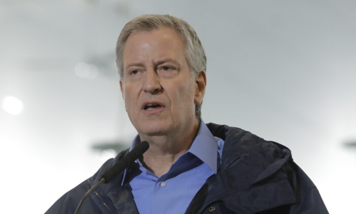 NYC Schools Won't Reopen Unless Daily Infection Rate Is Below 3 Percent, de Blasio Says