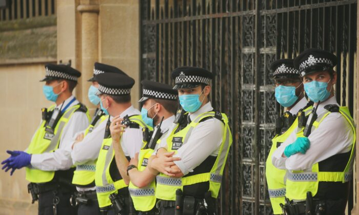 Police in England Hand out More Fines As COVID-19 Rules Tighten