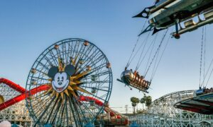 Disneyland Pass Holders Frustrated With Limited Entry Times