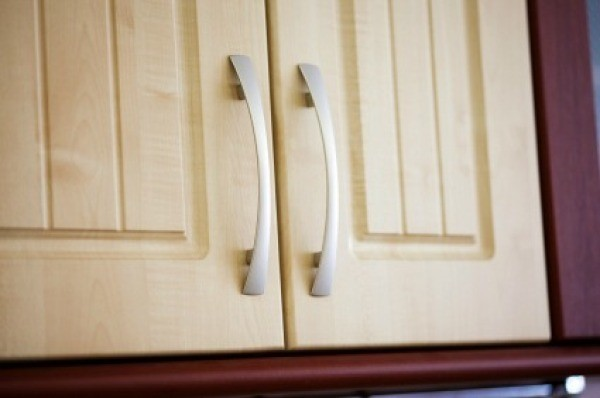 what to clean grease off kitchen cabinets lowes sinks cleaning from thriftyfun