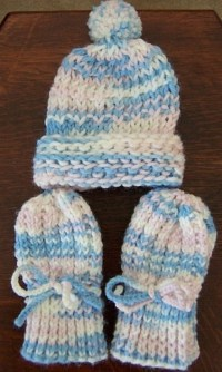 Knitted Infant Thumbless Mittens | ThriftyFun