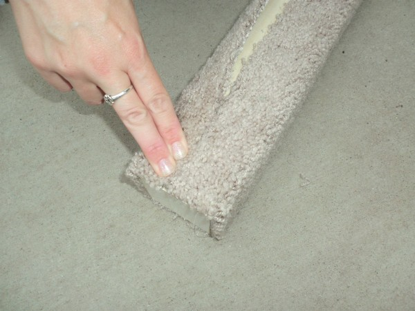 DIY Carpet Covered Cat Scratching Post