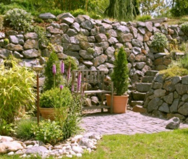 Create A Special Garden In Remembrance Of Someone Dear To You This Guide Is About Making A Memorial Garden