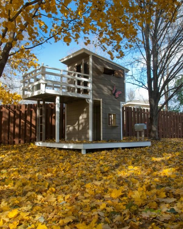 Building An Outdoor Playhouse Thriftyfun
