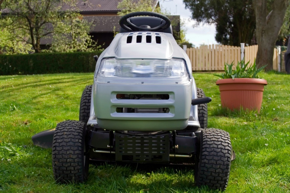 hight resolution of how can you get the lawn mowed when the battery won t hold a charge perhaps a bit of troubleshooting will help you discover the cause and make repairs