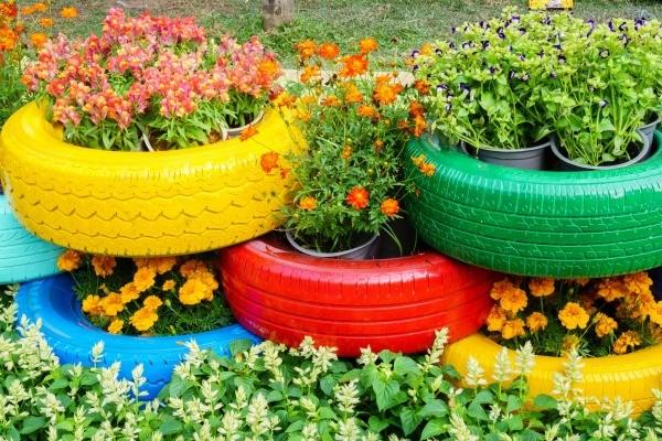 Garden Decoration Old Tyres