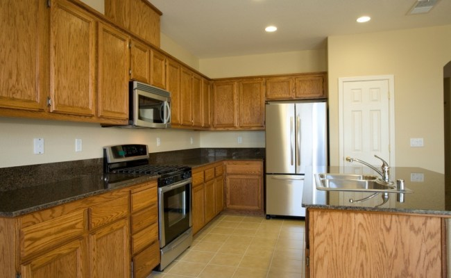 Paint Color Advice For A Kitchen With Oak Cabinets