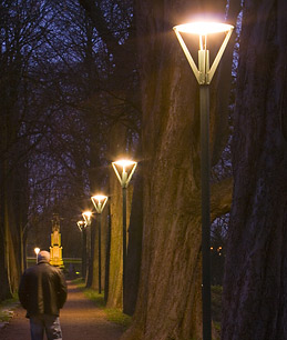 Germanys Bright Idea: Street Lighting on Demand