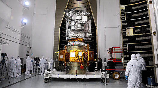 U.S. Shoots for the Moon, This Time to Stay
