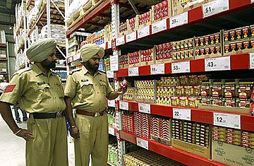 Walmart Makes Inroads into India with Joint Venture  TIME