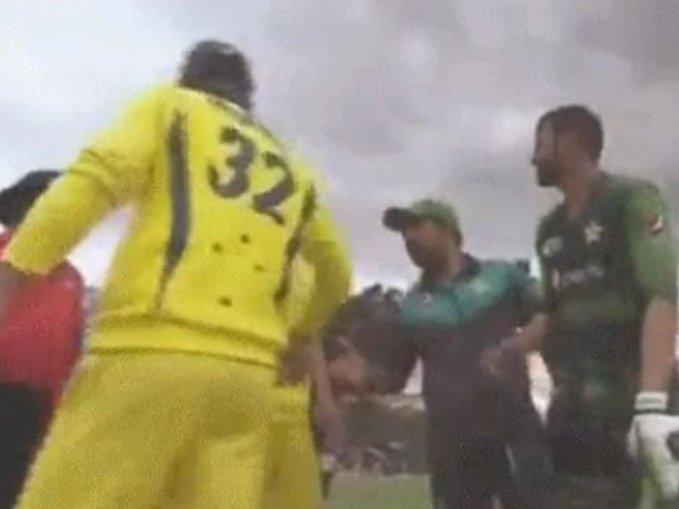 Glenn Maxwell refuses to shake hand with Sarfraz Ahmed