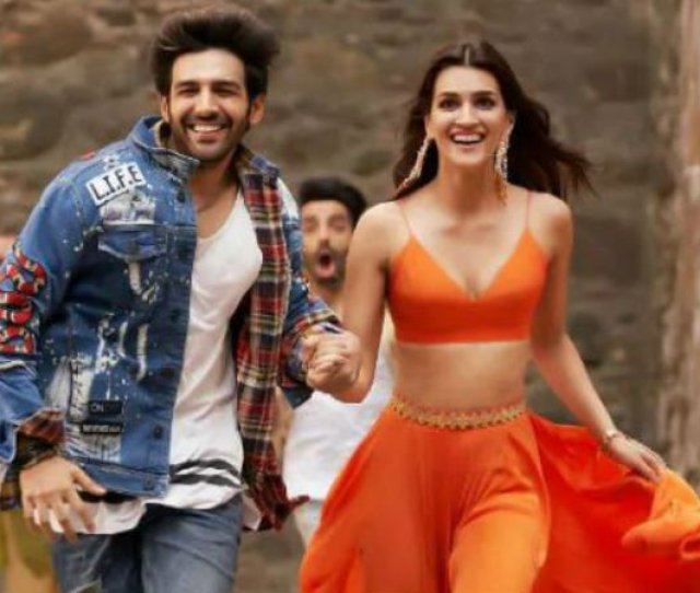 Box Office Luka Chuppi Earns Rs 18 09 Crore In Two Days