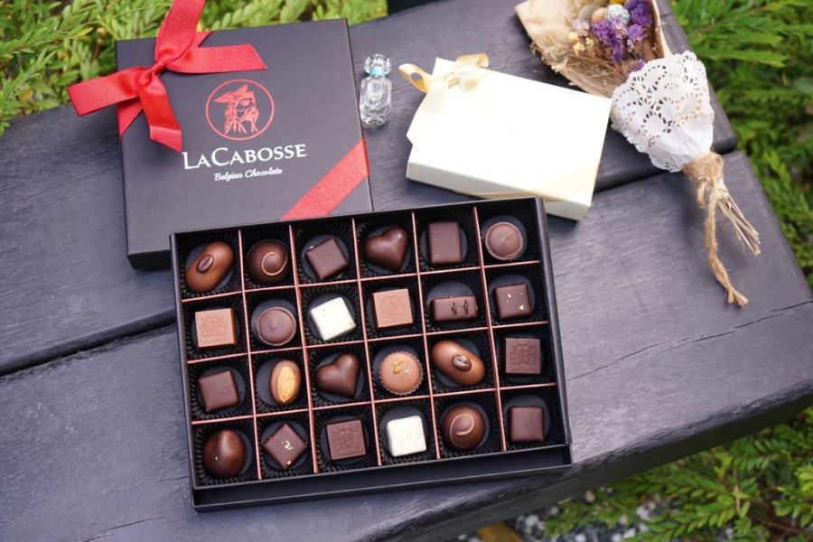 LaCabosse比利時手工巧克力情人節買2送1。台灣女孩跟比利時男孩擦出愛的巧克力。高質感暖心爆漿的比利時巧克力–踢小米食記