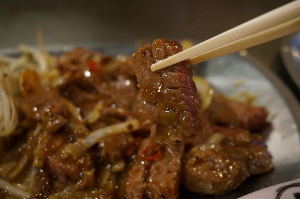 【台北】寧夏夜市香連鐵板燒-CP值超高的台客美食–踢小米食記