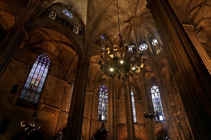 Barcelona székesegyház belsőei