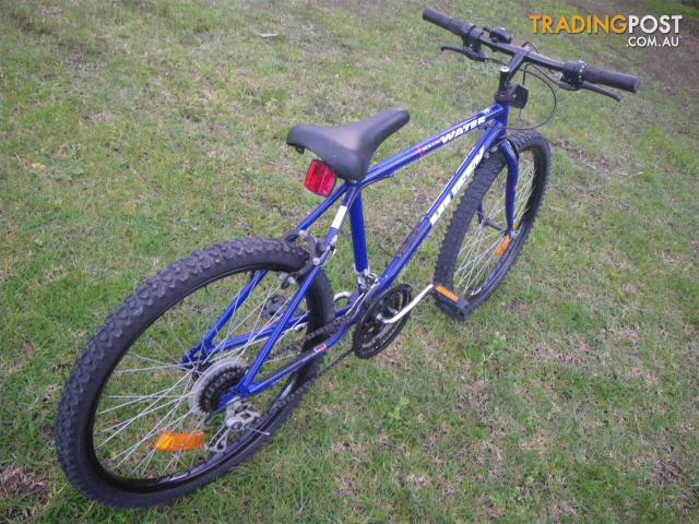 """HUFFY BACKWATER MOUNTAIN BICYCLE 18 SPEED BIKE 26"""" TYRES ..."""