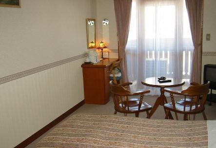 ホテルペンション アルピーヌ/客室
