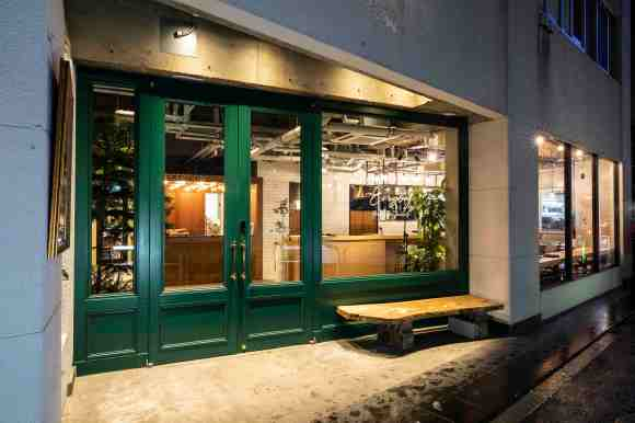 THE LIFE HOSTEL & BAR LOUNGE/外観