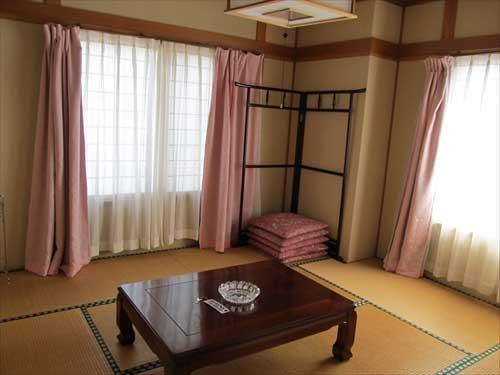 田中屋旅館<新潟県>/客室