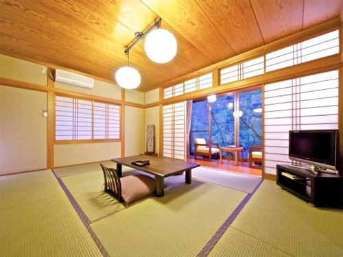 吹上温泉 湖畔の宿 みどり荘/客室