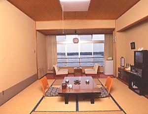 夕日と湖の宿 あおきや(旧:佐渡ハイツホテル青木) <佐渡島>/客室