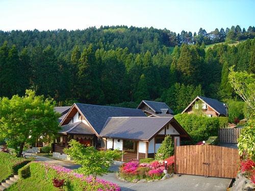 阿蘇火の鳥温泉 欧風料理宿 ログ山荘 火の鳥/外観