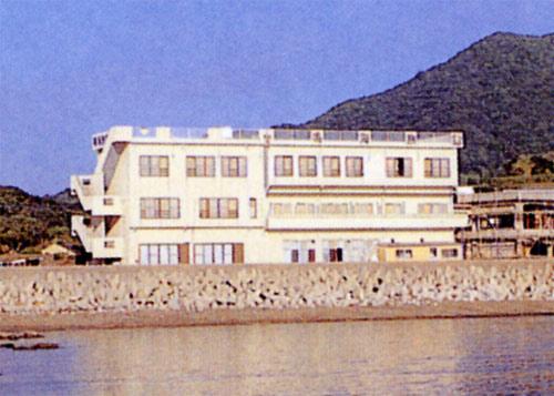 鳴海旅館/外観