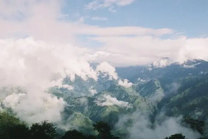 mountains in pelling