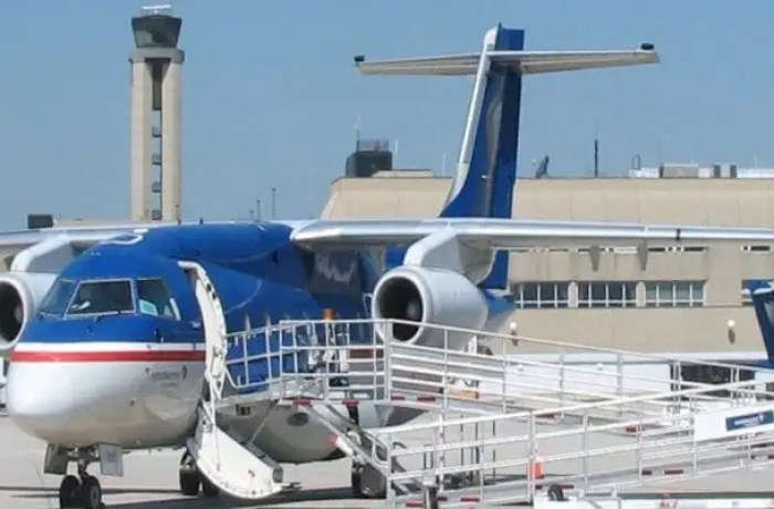 provides best services, airports in illinois