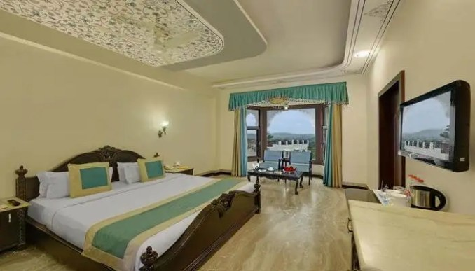 How To Book A Room In Hotel Bhairavgarh Palace?