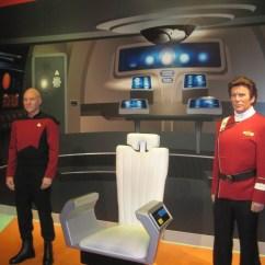 Star Trek Captains Chair Aluminum Beach Madame Tussauds Hollywood Adds Captain Picard Wax Figure