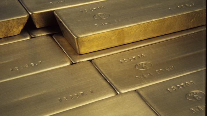У кого золото, у того и власть: Британские журналисты обеспокоены золотыми закупками России