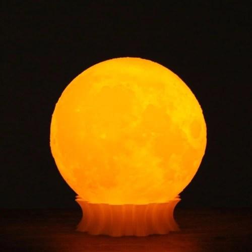 Tooarts Impreso en 3D Lámpara de Luna Lámpara de Impresión 3D Escultura Moderna Decoración Hogareña Ilustraciones del Ornamento Arte Moderno Luna Lunar Regalo de la Iluminación de la Decoración Enchufe US 100-240V 50 / 60Hz 2019