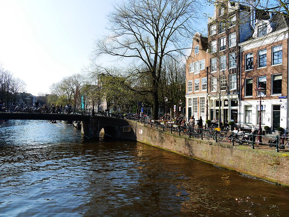 [自助旅行] 阿姆斯特丹遊船行程與阿姆斯特丹推薦民宿 - 翱翔的姿態