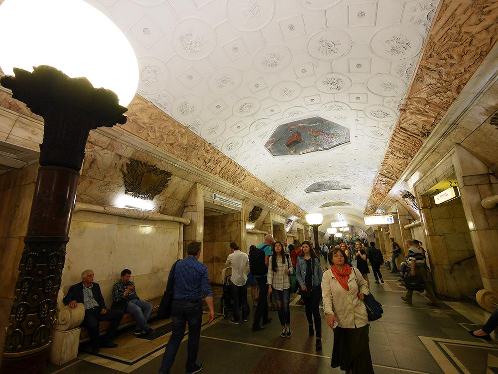 [自助旅行] 俄羅斯莫斯科地鐵站巡禮 - 翱翔的姿態