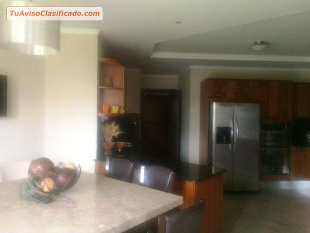 Apartamento en Edificio nivel bajo zona 14  Inmuebles y