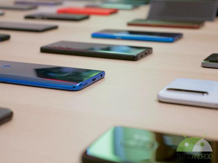 Un pieno di aggiornamenti per questi Samsung, Xiaomi, OPPO e Motorola