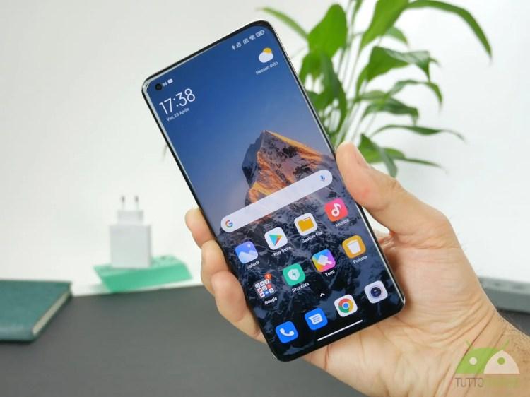 Xiaomi Mi 11 Ultra arriva in Italia a 1400 euro ed è subito in offerta