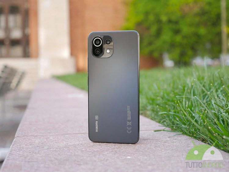 Xiaomi Mi 11 Lite 5G sbarca sullo store ufficiale con uno splendido regalo