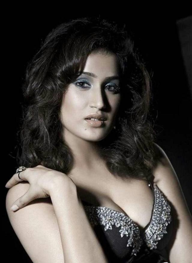 5 Hot Photos Of Actress Sagarika Ghatge 2017