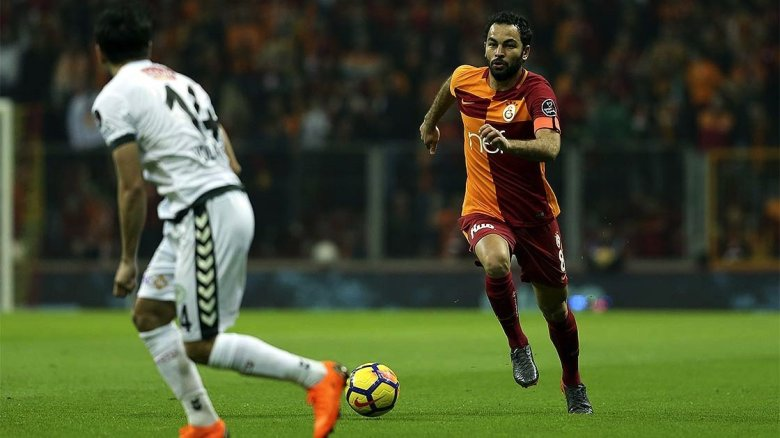 1595152804 272 Turk futbolundan Selcuk Inan gecti