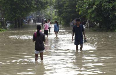 Hindistan'ın Assam eyaletinde sel ve heyelanlarda ölenlerin sayısı 119'a yükseldi