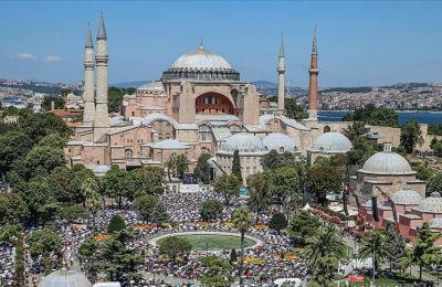 Cami olarak açılmasıyla Ayasofya'nın iadeiitibarı yapıldı