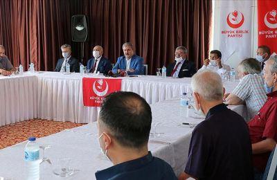 Ayasofya-i Kebir Cami-i Şerifi'nin ibadete açılmasından her Türk büyük gurur duymalı